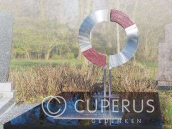 Grafmonument met RVS ornament